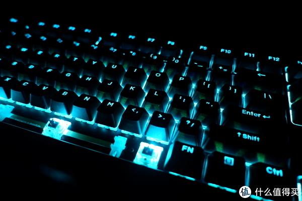人生中第一款静音红—Fuhlen 富勒 G900S RGB 机械键盘 测评