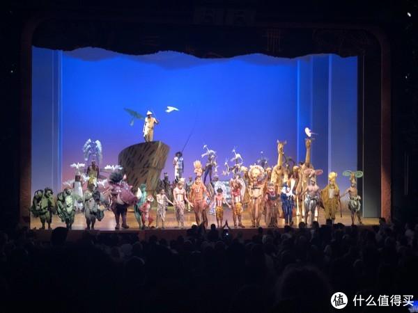 《狮子王》现场座无虚席,演出精彩绝伦,不需要听懂,只需欣赏