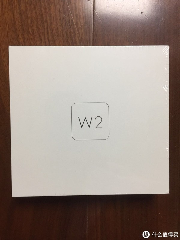 斐讯全家桶 篇一:坐稳斐讯这趟车—PHICOMM 斐讯 W2 智能运动手表简单开箱