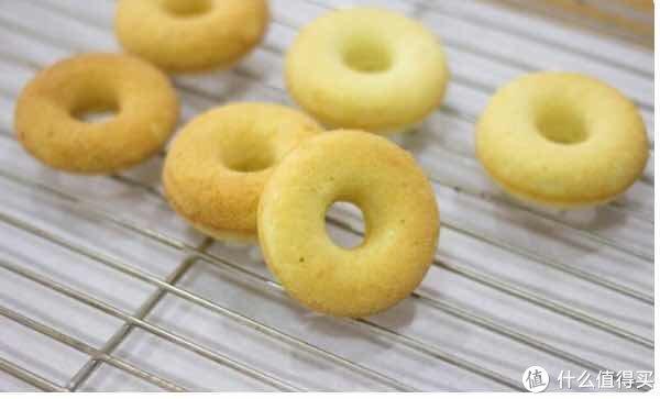 烘焙的那些美好时光 篇四十四:最爱的甜甜圈,三招教你轻松在家做,再也不用出去买买买(奉上最全制作贴士&好物推荐)