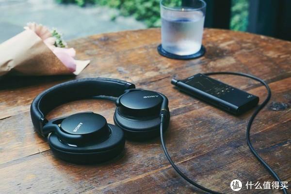 橘子爱音乐 篇三十二:重塑HiFi经典,彻头彻尾的更新:Sony 索尼 MDR-1AM2 头戴式高解析耳机 听起来怎么样?