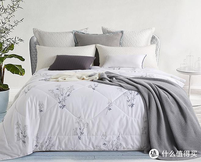 裸睡空调房好搭档 舒适又简洁的夏凉被推荐