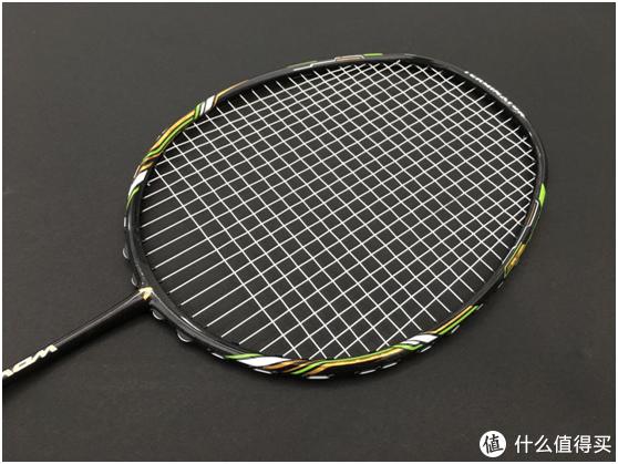 大气奢华,性价比高!专为进攻型羽毛球友设计的羽毛球拍