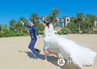 去年自己买服装自己拍的婚纱照,挺有意思的[doge]