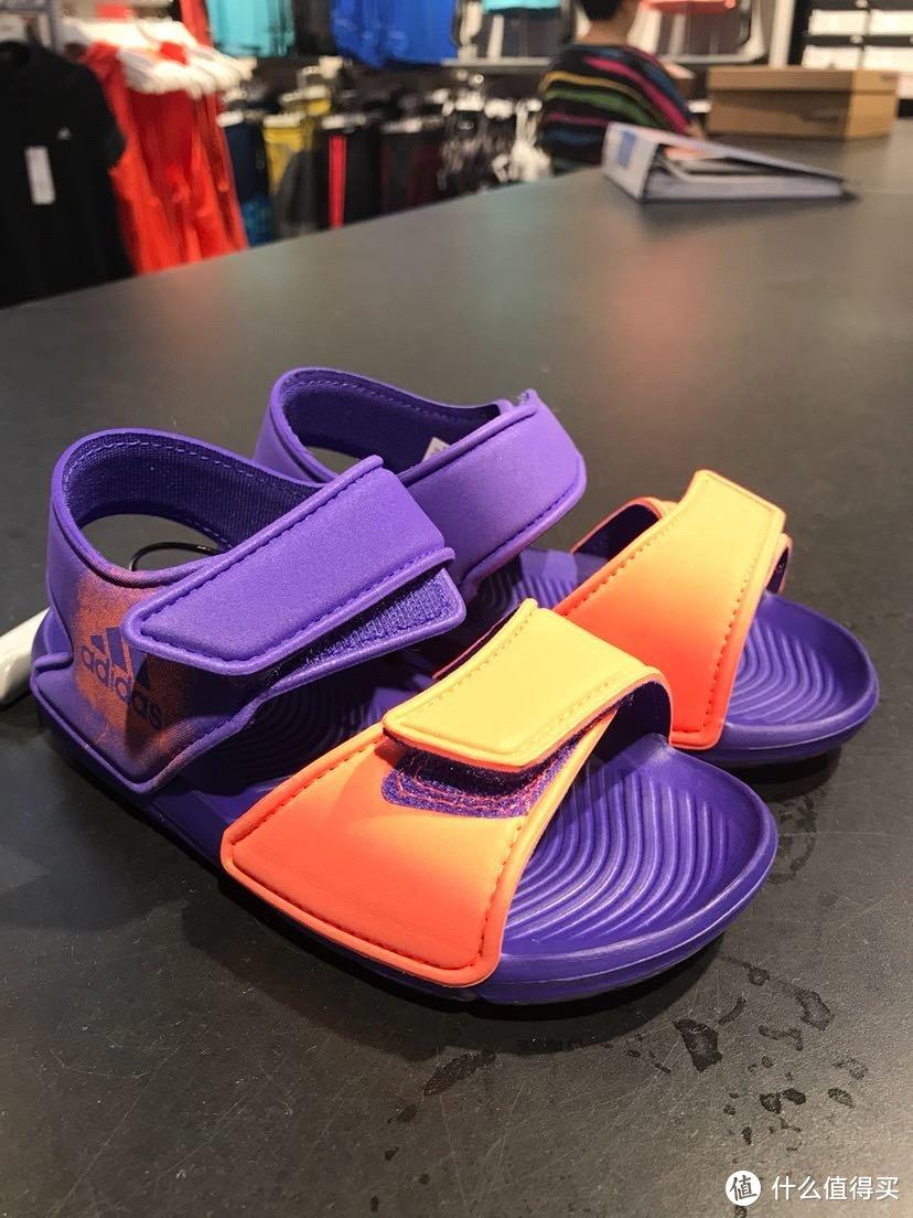 阿迪达斯折扣店入手儿童凉鞋开箱分享