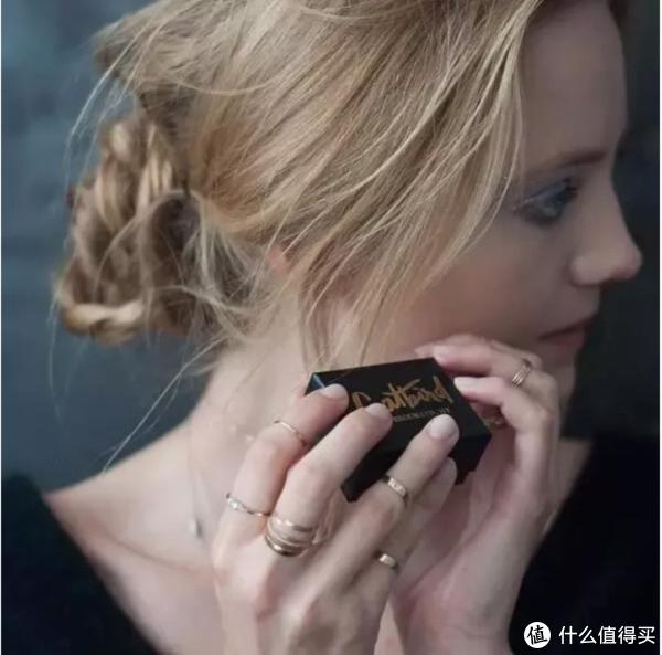 探店 | 戒指就要一把一把的戴 揭秘新晋王妃Meghan的最爱