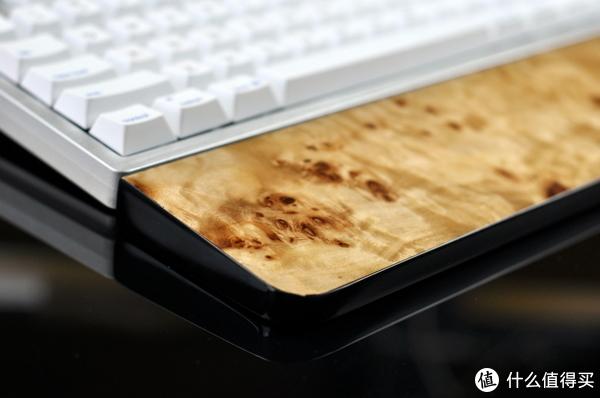 手托新工艺—Royal Glam烤漆键盘手托评测