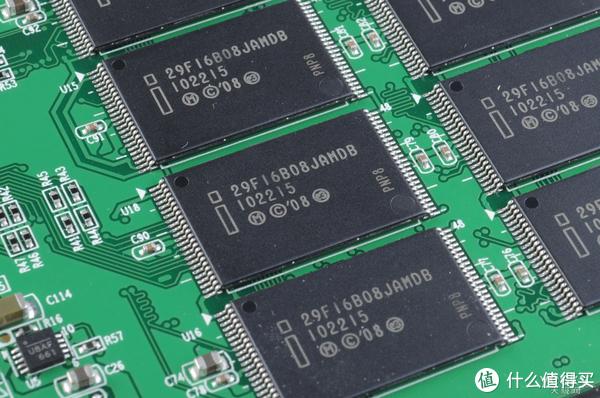 在加个固态硬盘就能让电脑性能翻番的时代,你当然需要懂如何升级电脑SSD!