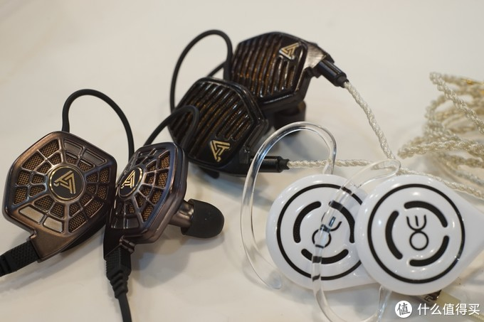 OE E60P平板入耳评测:牺牲隔音的极致,声音比外观强几倍的极端反差