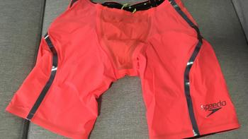 速比涛 lzr race x泳裤外观设计(裆部|腰部|镭射条)