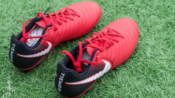 耐克 TIEMPO LIGERA IV AG-R 足球鞋外观展示(logo|鞋面|材质|鞋带|鞋跟)