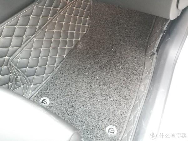 女车主的选择—TPE健康脚垫开箱