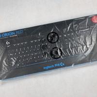 罗技 G610 机械键盘开箱展示(保护盖 说明书 保修卡 拔键器 插口)