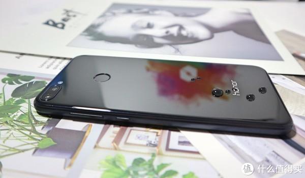 Honor 荣耀9i 智能手机体验测评,够潮够美的千元旗舰有多吓人?