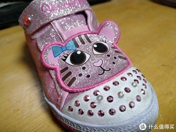 有没有一双鞋让你念念不忘 篇六:猫猫头,亮晶晶,小朋友的热爱 Skechers童鞋