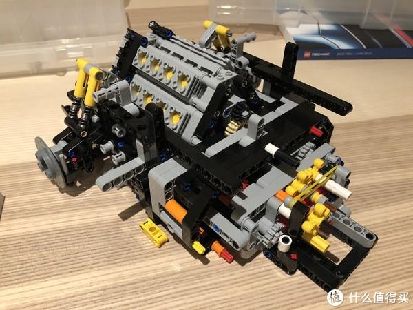 后部的引擎完成。