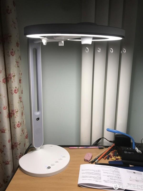 按照说明书,首先把智能学习灯与WIFI路由器连接