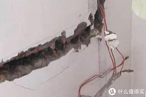 ▲裸埋电线是绝对不行的