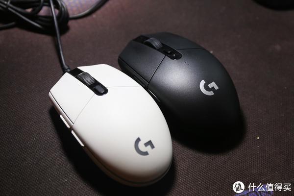 白色G102和黑色G304,两者外形上几乎没有区别