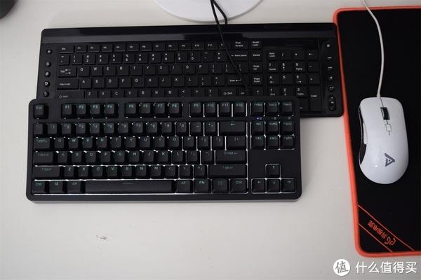 耐用的标准它占了三—Fühlen 富勒 G87S 机械键盘开箱: