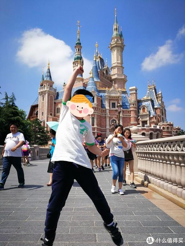独自带娃在上海迪士尼的16个小时,有什么经验可以分享