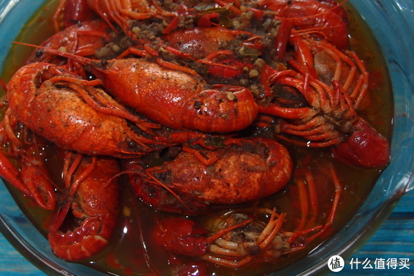 这个夏天,吃最麻辣的小龙虾,看最过瘾的足球!今锦上 麻辣小龙虾开箱