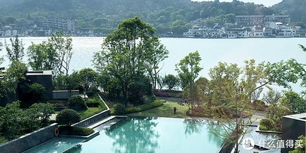 酒店室外泳池