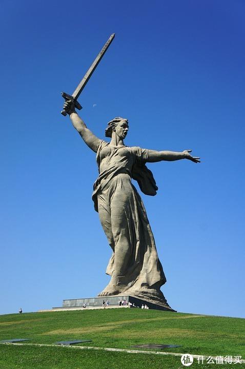 祖国母亲在召唤雕像