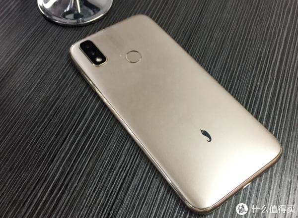 首款千元内4G+64G刘海屏,红辣椒7P表现如何?