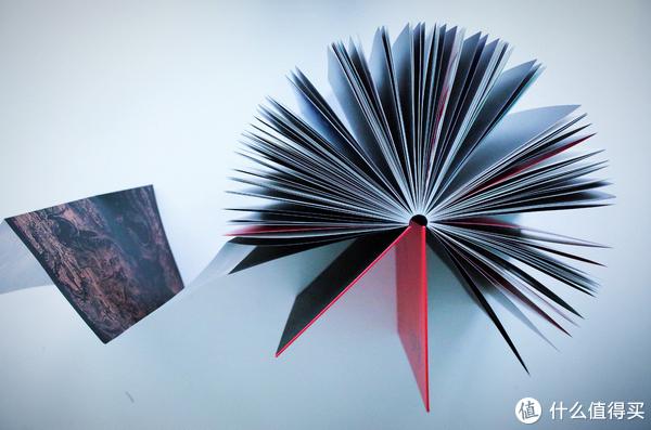 设计工艺很赞,能360度打开,每一页都可以平翻