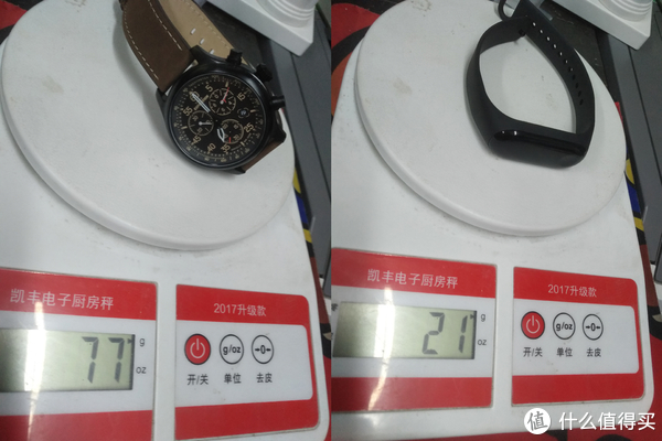 天美时T49905重量为77克,小米手环3重量为21克