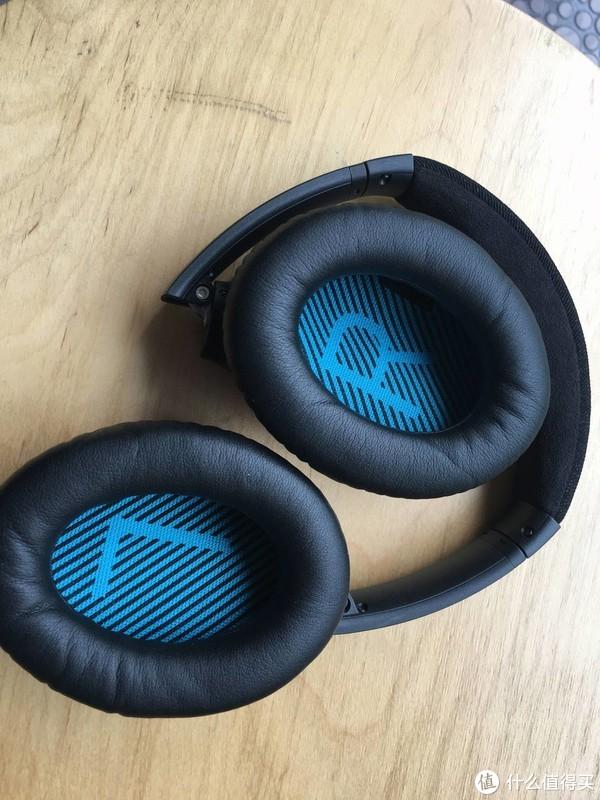 耳机可以把整个耳朵罩住,对于大头人士,还是不错的。不会因为大头而夹耳了