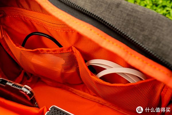 相机和杂物一个背包搞定:ELECOM 宜丽客 相机背包 开箱使用记