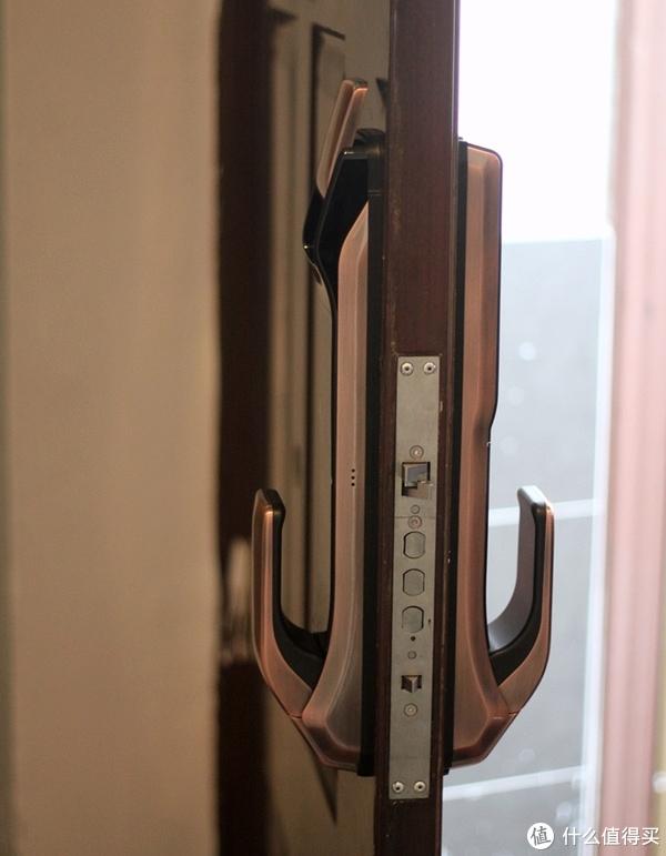 方便、安全、有型可以兼得?优点E1智能门锁全解读 (简单对比 鹿客Touch)
