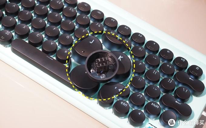 苹果用户的机械键盘之选,颜值和性能同在,一拖三稳定又好玩
