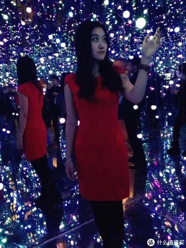 红色修身裙,购于H&M 100RMB左右