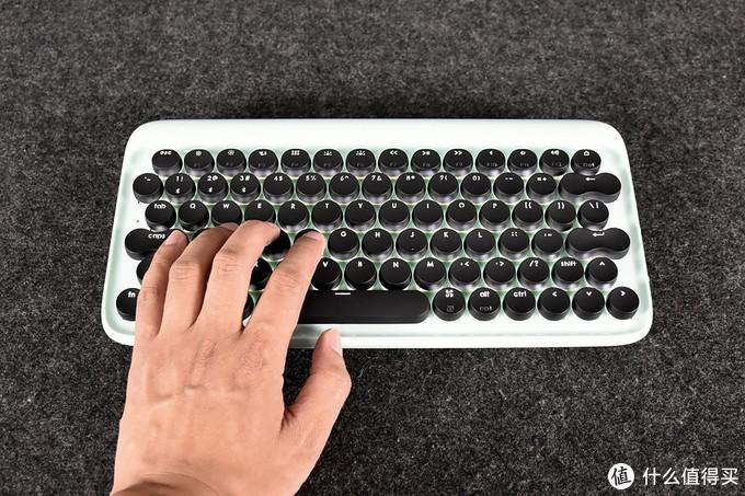 京造 JZJP01 蓝牙机械键盘简单测试