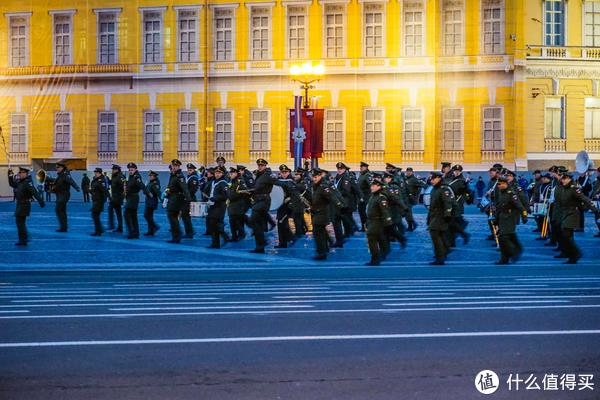 滴血大教堂、十二月人广场、胜利日大阅兵