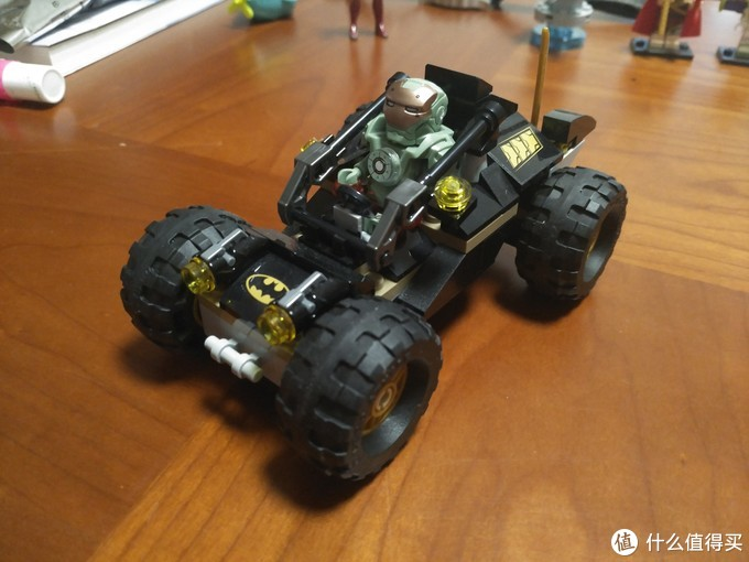 "DC超级英雄:一家四口,老爷最""丑""—LEGO 乐高 76056 开箱"