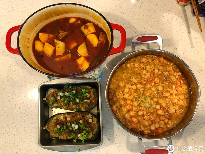 土豆烧排骨,蒜蓉粉丝小龙虾,蒜泥烤大茄