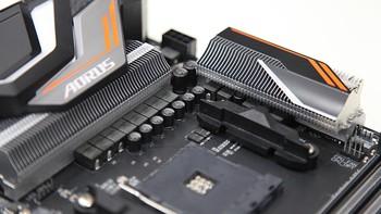 AMD VEGA 64 显卡开箱晒物(包装 背板 说明书 颜色)