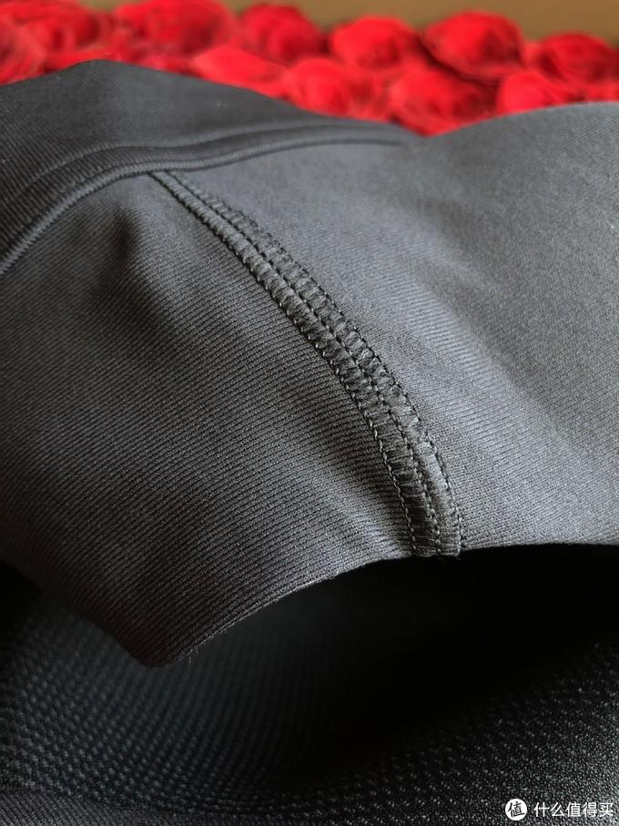 胖安肉测Vanish----安德玛高强度拉链运动内衣