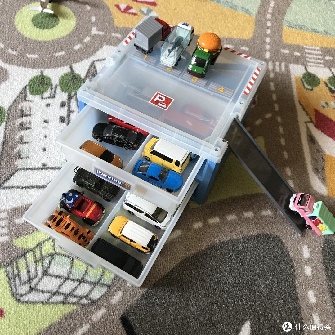 玩具车的家!多美卡停车场收纳盒