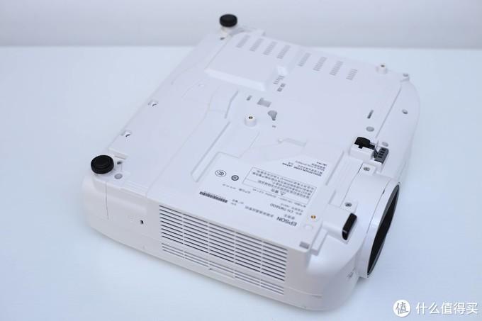投影效果出色,使用调整便捷——Epson CH-TW5600家庭投影方案评测