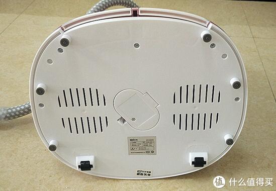 电器 篇一:快速除皱的HG 华光 QY66-HDV 挂烫机 体验