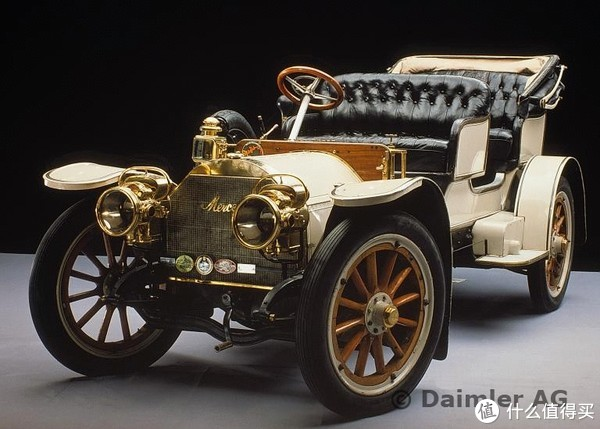 ▲豪华三件套:真皮、实木、亮闪闪的金属(1904年梅赛德斯 Simplex)