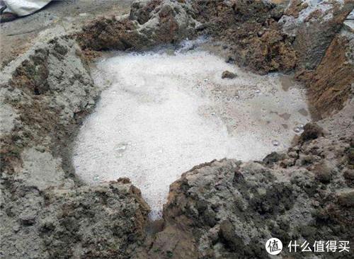 头次听说在水泥里加洗衣粉?还好老师傅及时提醒,差点被坑