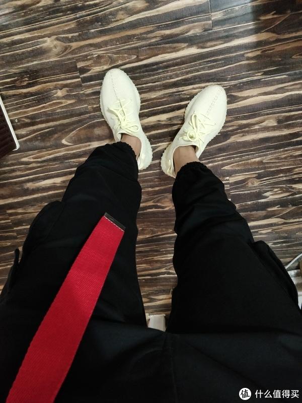 撒旦晒鞋篇 篇十八:今年的小目标之一完成—Adidas 阿迪达斯 Yeezy Boost 350 V2 黄油椰子