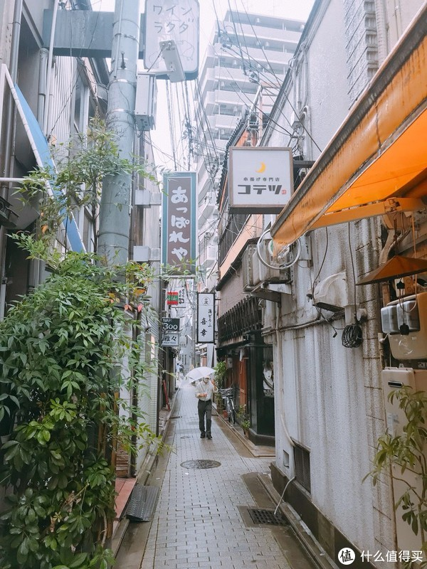 日本人好像都很喜欢打透明伞