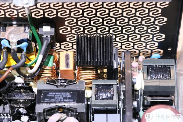 装机硬件 篇一:九州风神GAMER STORM(玩家风暴)DQ750-M金牌电源分享